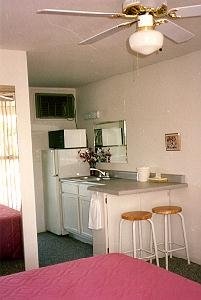 Twin Lakes Inn room with kitchenette